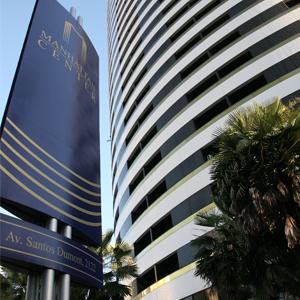 Localizado no grande centro empresarial de Fortaleza/CE, o escritório está instalado em prédio de projeto arquitetônico arrojado e contemporâneo.