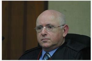 Ari Pargendler; Estágiário; Fila de banco; Segredo de Justiça