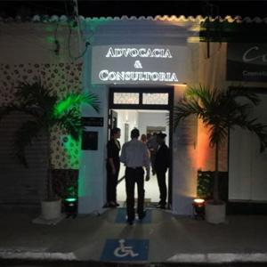Na entrada do escritório de Floriano/PI o acesso é facilitado para cadeirantes.